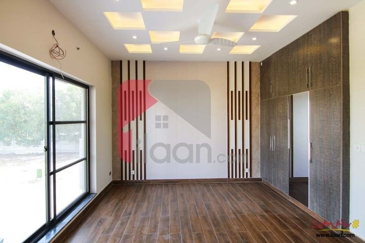 5 marla house available for sale in Block D Phase 6 DHA