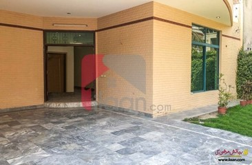 18 marla house for sale in Block B2, Johar Town, Lahore