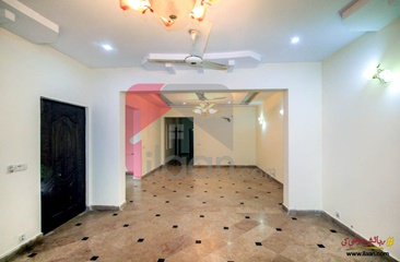 18 marla house for rent ( ground floor ) in Phase 3, DHA, Lahore