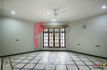 3 kanal house for rent in Block C, Model Town, Lahore
