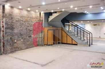 6 marla plaza for rent on MM Alam Road, Gulberg-3, Lahore