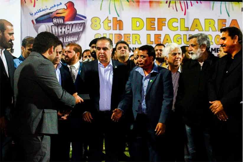 CEO ilaan.com Mian Muhammad Omer Presented Governor Sindh Memento at DEFCLAREA Super League Final