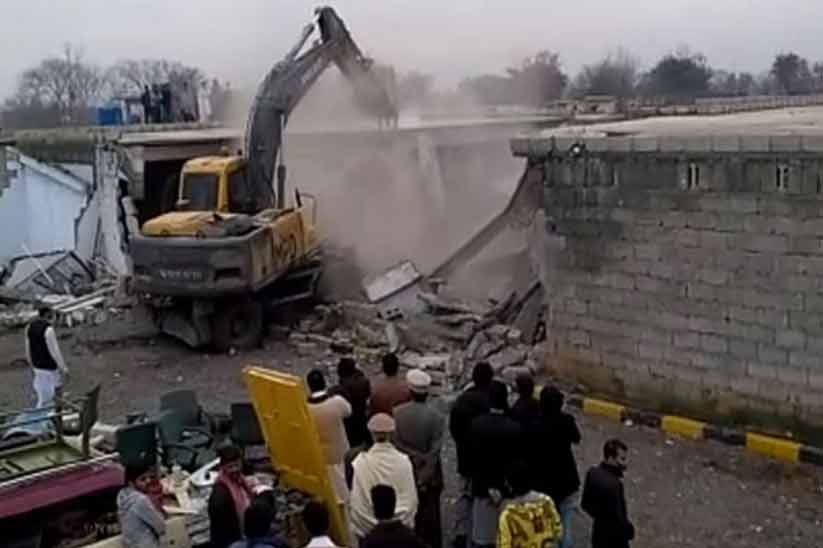 Illegal Structures on Murree Road are Being Demolished by CDA