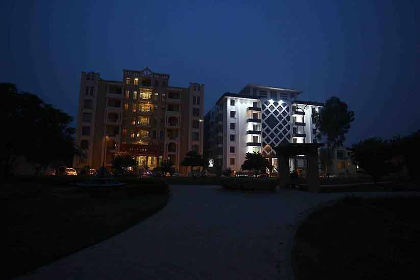 Air Avenue Apartments – An Ideal Investment Opportunity in DHA Phase 8 Lahore