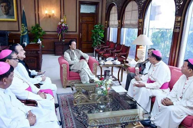 Delegation of Bishops Donates PKR 5.6 Million for Dams Fund in a Meeting with Imran Khan