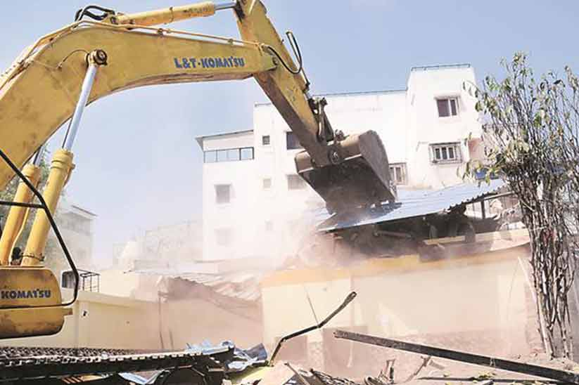 LDA and ACE step forward to control illegitimate constructions