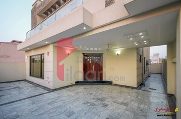 10 marla house for sale in Block N, Phase 8 - Air Avenue, DHA, Lahore