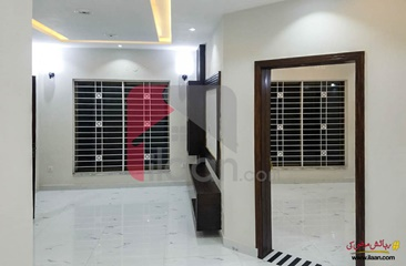 8 marla house for sale in Umer Block, Sector B, Bahria Town, Lahore