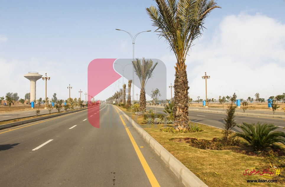 260 Sq.ft Office for Sale (Third Floor) in Orchard Mall, Bahria Orchard, Lahore