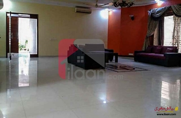 600 ( square yard ) house available for sale in Phase 6, DHA, Karachi