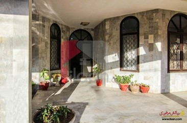500 ( square yard ) house available for sale in Phase 5, DHA, Karachi